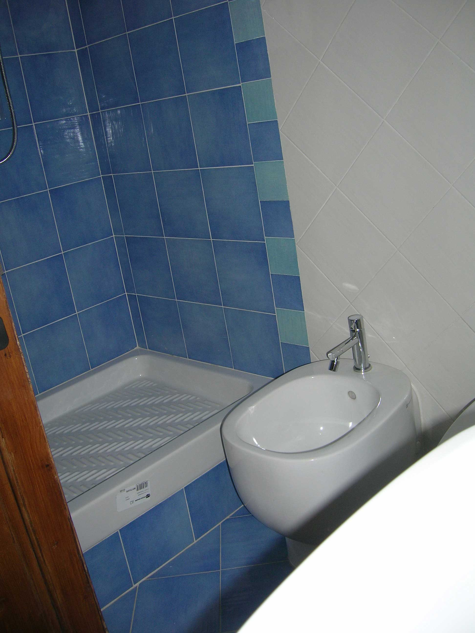 Nuovo bagno good nuovo mattonelle della stanza da bagno - Costo costruzione nuovo bagno ...